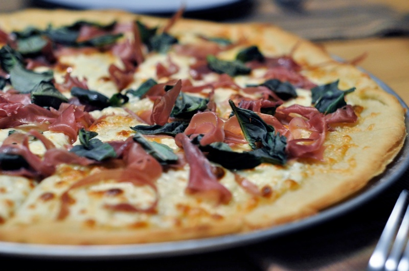 Pizza with Fontina and Prosciutto
